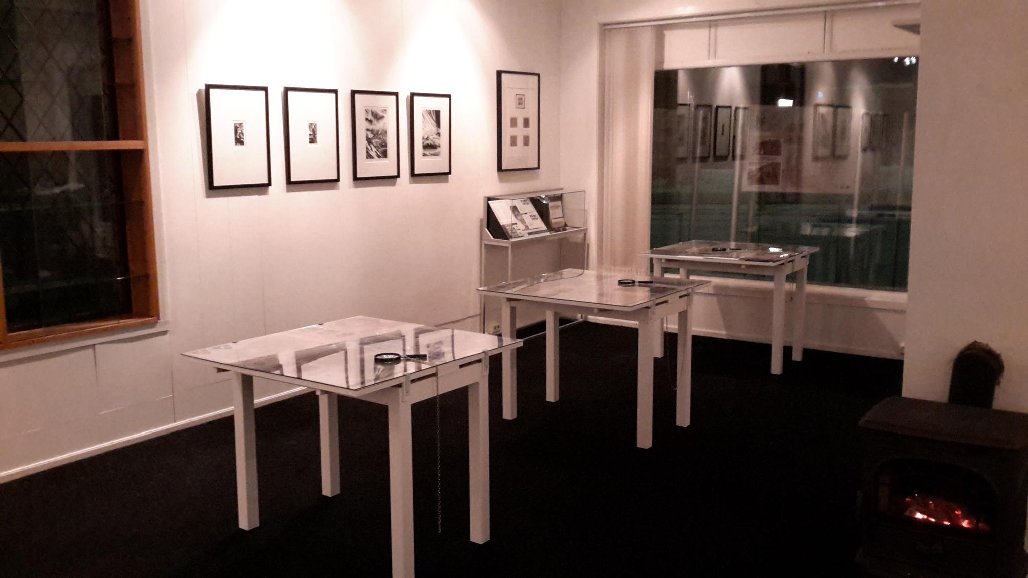 Sverre Morkens utstilling på plass i galleriet