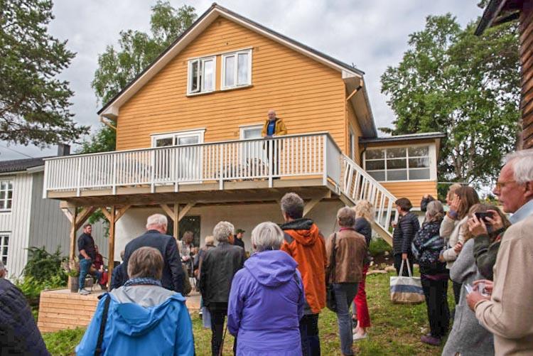 Lars Elton åpner sommerutstillingen 2020. Foto: Thorbjørn Liell